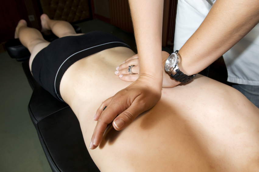 Chiropractic adjustment by Devizes chiropractor Ruth Lee